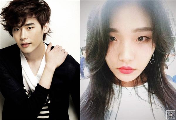 Khi trang điểm và làm mặt lạnh, đôi môi trái tim hơi dày cùng chiếccằm nhọn khiến cả hai trông giống hệt nhau, nhiều người còn lầmtưởng đây chính là em gái cùa Lee Jong Suk.