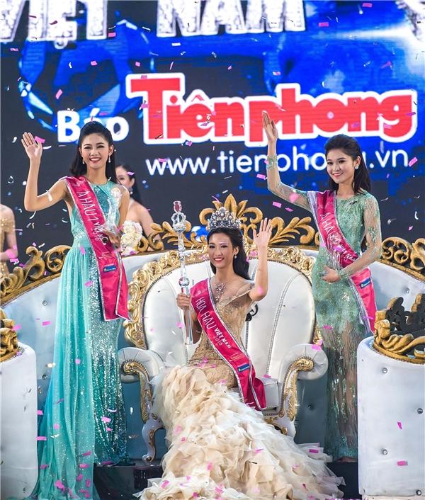 Nhan sắc rạng rỡ của tân Hoa hậu Việt Nam 2016.