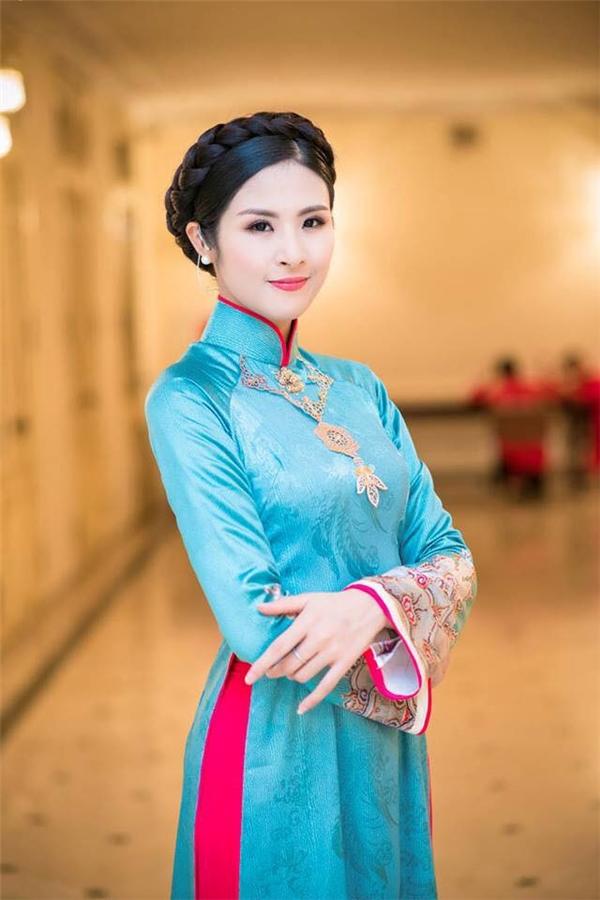 Hoa hậu Việt Nam 2010 xuất sắc thi đỗĐại học Mỹ thuật Công nghiệp với số điểm36,5. - Tin sao Viet - Tin tuc sao Viet - Scandal sao Viet - Tin tuc cua Sao - Tin cua Sao