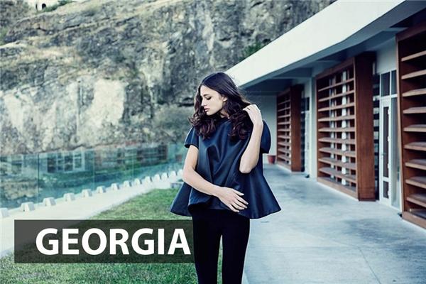 Thiếu nữ Georgia mang vẻ đẹp hiện đại phóng khoáng.