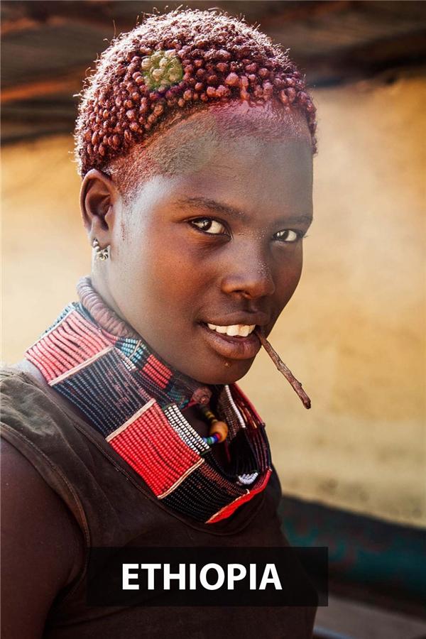 Phái đẹp Ethopia gây ấn tượng với người đối diện bằng sự cá tính, mạnh mẽ từ khí chất và trang phục truyền thốngcủa mình.