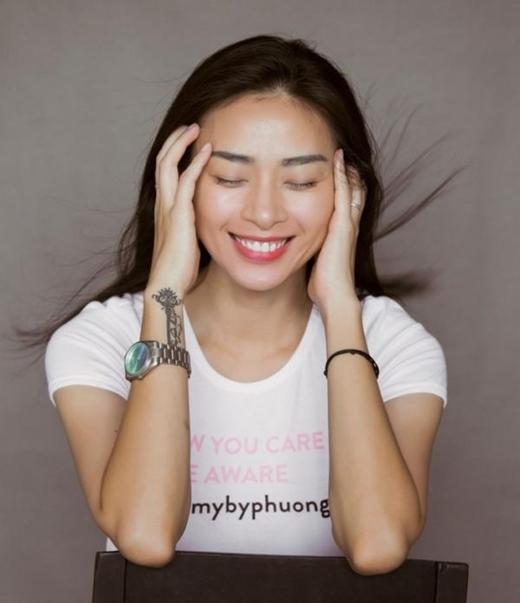 Ngô Thanh Vân cực kì xinh đẹp khi cười tươi như thế này.