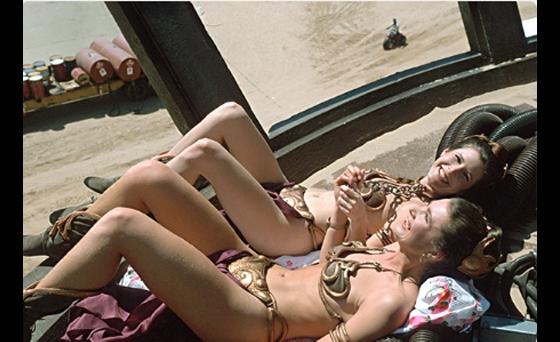 Carrie Fisher trong Star Warsvà diễn viên đóng thế xinh đẹp, nóng bỏng không thua kém gì cô nàng.