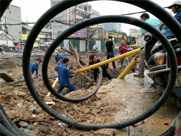 Ảnh 16: Vòng xoáy công việc - Nguyễn Thị Phương Anh
