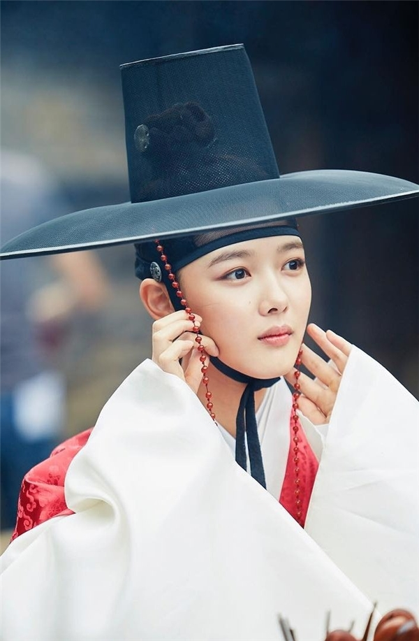 Diễn xuất  Kim Yoo Jung trong Mây Họa Ánh Trăng không thể đùa được