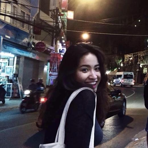 Dân mạng bị đốn tim hàng loạt bởi nhan sắc của nữ sinh Việt lai Ấn