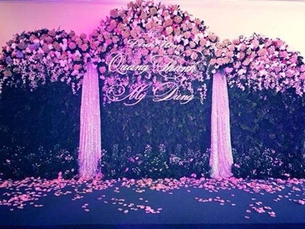 Bức ảnh hiếm hoi trong lễ đính hôn của 2 người.(Ảnh: Internet)