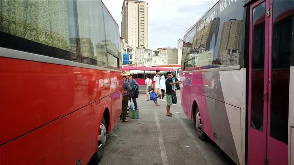 Sau khi bến xe Lương Yên giải tỏa, áp lực dồn lên các bến xe còn lại trong những ngày lễ lớn.