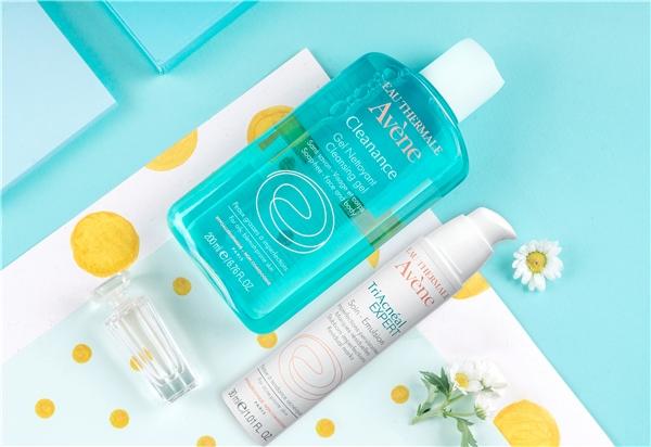 Cleanance Cleansing Gel và TriAcnéal Expert Emulsion là hai sản phẩm không thể thiếu để giúp làn da của top 30 cải thiện đáng kể sau 3 tuần đầu tiên.