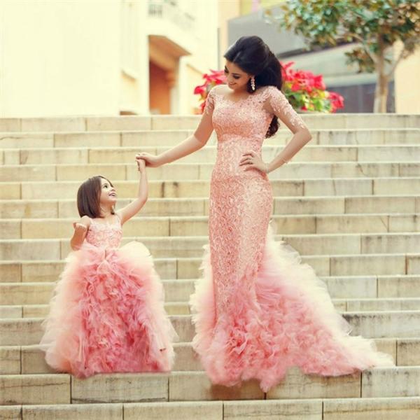Khi mẹ và con vào vai công chúa, cả thế giới đều nhìn chúng ta với đôi mắt ngưỡng mộ đến ghen tị.