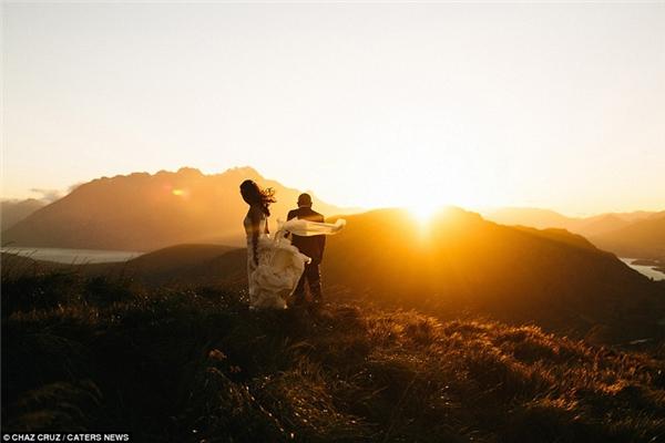 Cảnh hoàng hôn tuyệt đẹp ở Queenstown, New Zealand.