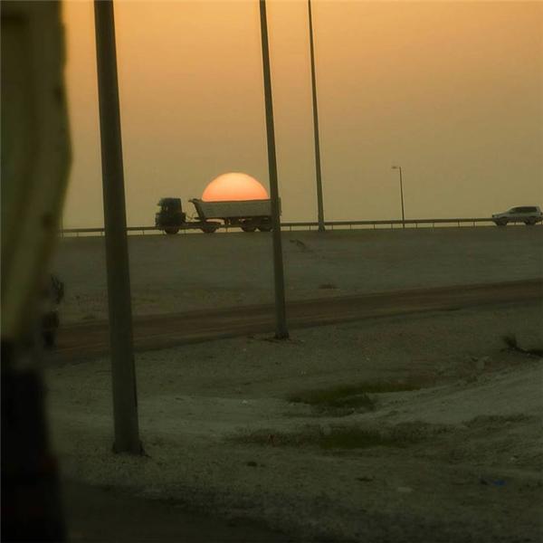 Sao Mặt Trời có thể nằm lọt thỏm trên chiếc xe tải thế chứ.