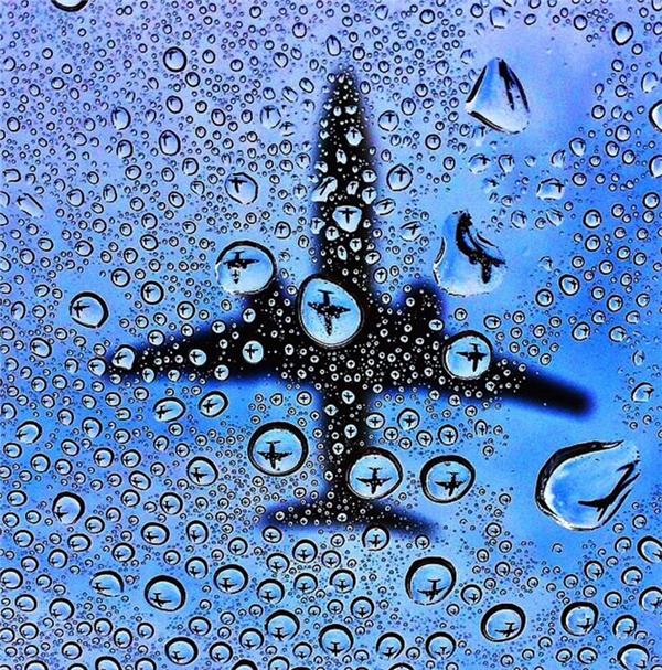 Có đến hàng triệuchiếc máy bay mini trong các bóng nước.