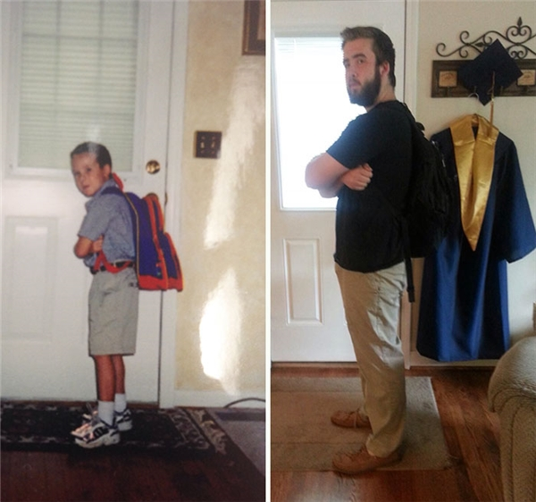 Vẫn là dáng đứng ấy, vẫn là đang đeo ba lô và vẫn là cánh cửa ấy nhưng 12 năm sau, treo cạnh cửa còn có chiếc áo choàng tốt nghiệp nữa.