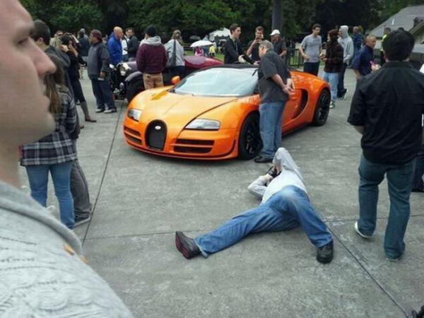 Xế đẹp không góc chết nên nhiếp ảnh gia cũng không ngại lê lết vì em.