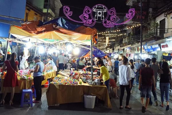 Chợ đêm Hàng Đào - Hàng Ngang