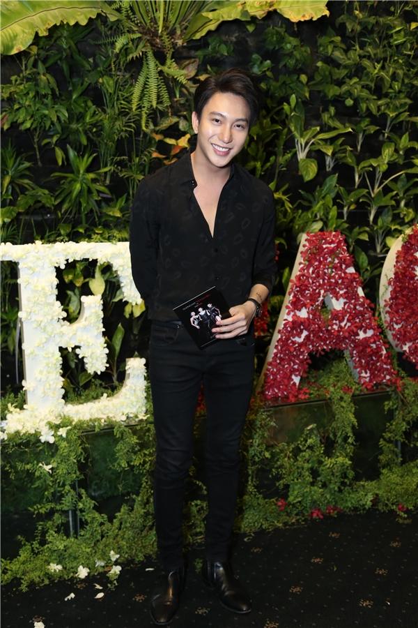 Nam diễn viên Bê Trần giản dị đến tham dự đêm chung kết The Face.