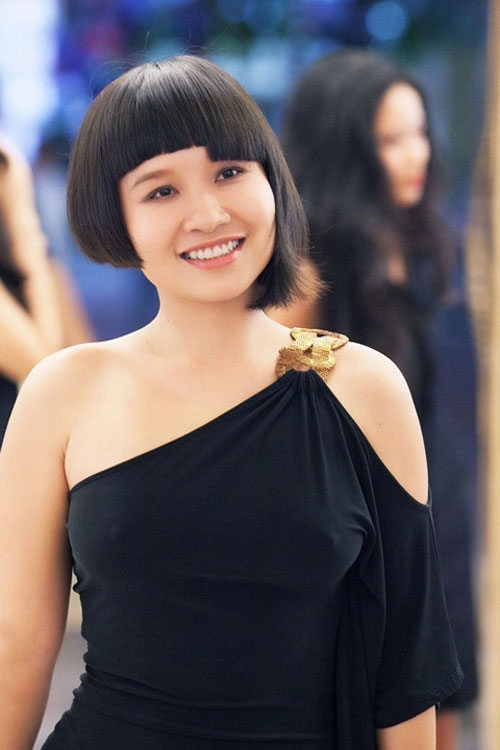 Không những thường xuyên phát ngôn gây sốc mà Mai Khôi còn sở hữu gu thời trang lập dị, khó hiểu. - Tin sao Viet - Tin tuc sao Viet - Scandal sao Viet - Tin tuc cua Sao - Tin cua Sao