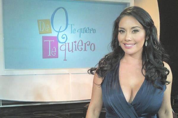 Mấy ai dũng cảm mặc thoáng mát như MC Susana Almeida của đài truyền hình Mexico