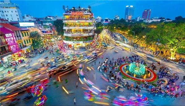16. Quảng trường Đông Kinh Nghĩa Thục - Trần Quang Hiếu