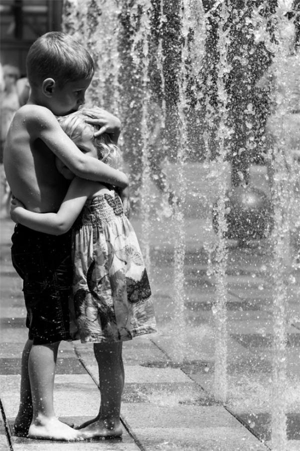 Có anh chị em là một điều hạnh phúc và có được tình yêu của họ lại càng hạnh phúc và tuyệt vời hơn.