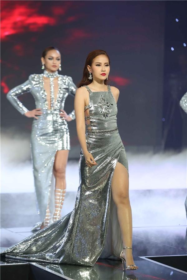 """Những """"hạt sạn"""" trầm trọng khiến CK The Face Việt rẻ đi rất nhiều"""