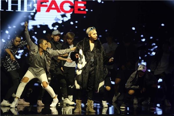 Sơn Tùng lại mặc áo đôi với G-Dragon