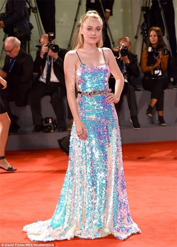 Nữ diễn viên người Mỹ 22 tuổi - Dakota Fanning
