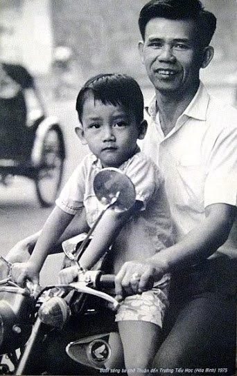 Minh Thuận hồi nhỏ được bố đưa đi học... - Tin sao Viet - Tin tuc sao Viet - Scandal sao Viet - Tin tuc cua Sao - Tin cua Sao