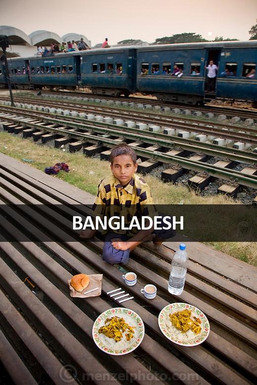 Alamin Hasan, nhân viên khuân vác tại nhà ga Kamalapur, Dhaka, Bangladesh