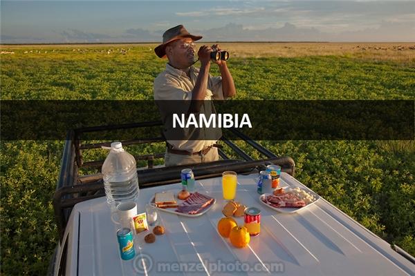 Uahoo Uahoo, người coi ngó việc săn bắn trái phép tạo Công viên Quốc gia Etosha, miền bắc Namibia