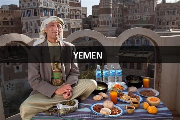 Ahmed Ahmed Swaid (50 tuổi), lái buôn ở thành phố Sanaa, Yemen: 3.300 calo mỗi ngày