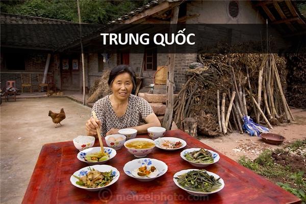 Lan Guihua (68 tuổi), nông dân ở thôn Cam Gia Câu, Tứ Xuyên, Trung Quốc: 1.900 calo mỗi ngày