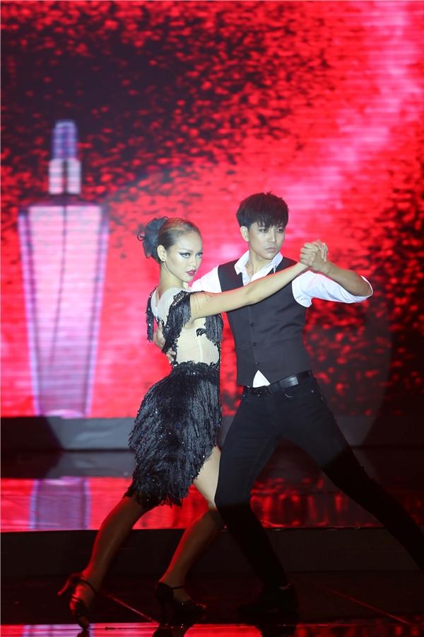 Mai Ngô trong 3 phần thi ở đêm chung kết The Face Vietnam 2016.