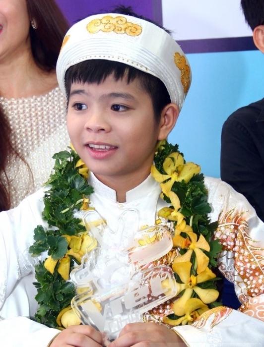 Quang Anh khi tham gia The Voice Kids 2013. - Tin sao Viet - Tin tuc sao Viet - Scandal sao Viet - Tin tuc cua Sao - Tin cua Sao