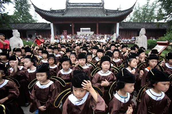 Loạt ảnh ngày đầu tiên đi học của học sinh các nước trên thế giới