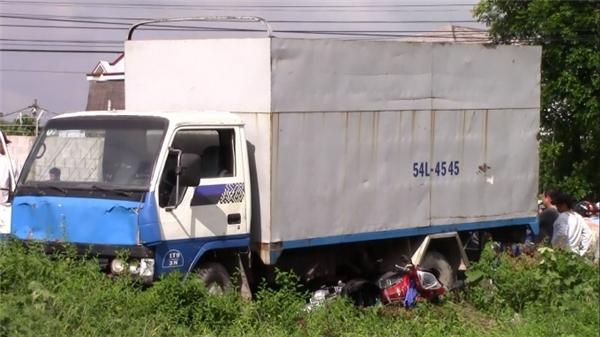 Tài xế 17 tuổi lái xe tải gây tai nạn kinh hoàng, 3 người nguy kịch