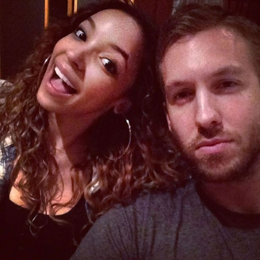 Calvin từng có tin đồn hẹn hò cùng Tinashe.