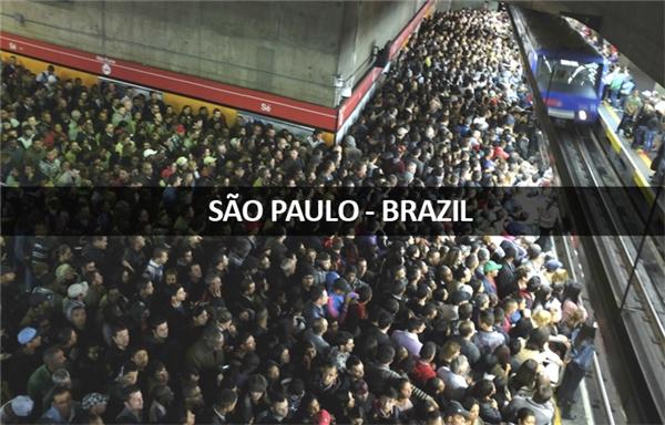Với dân số 20 triệu người và hệ thống điện ngầm chỉ dài 72km, đây là cách người dân São Paulo đi làm về mỗi chiều.