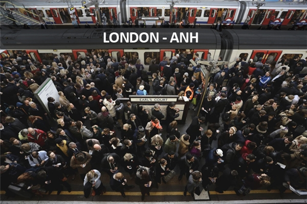 Hệ thống điện ngầm ở London bị nghẹt ở mọi trạm.