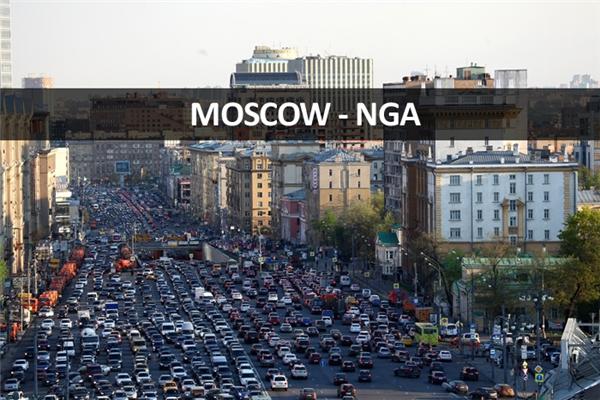 Một cảnh tượng kẹt xe ở Moscow, so với Việt Nam thì vẫn còn dễ thở chán.