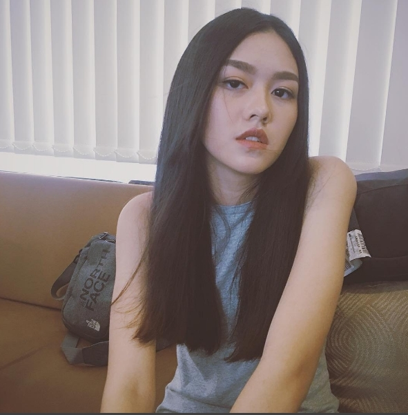Cận cảnh gương mặt không tì vết của nữ sinh 16 tuổi Tường San