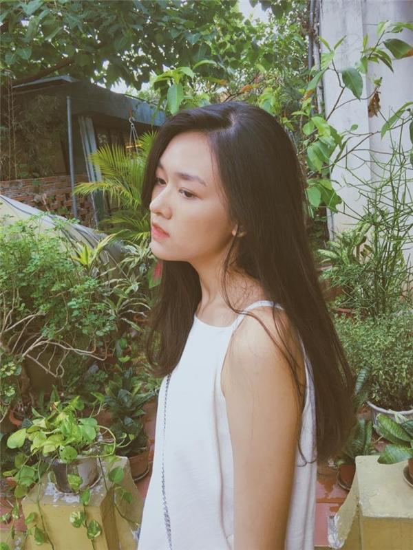 Vẻ xinh xắn, thuần khiết, nhẹ nhàng của San Nguyễn.