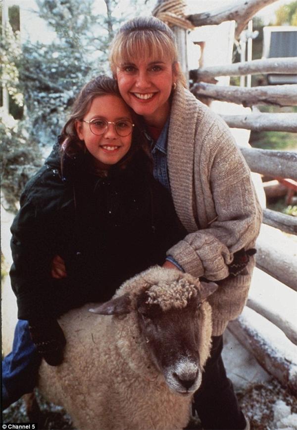 Chloe đóng vai chính cùng với mẹ cô trong bộ phim truyền hình A Christmas Romancenăm 1994khi cô chỉ mới tám tuổi.
