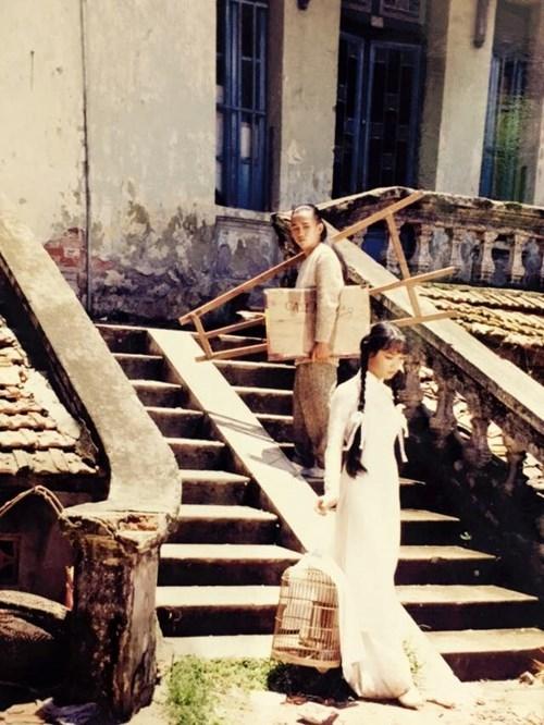 Minh Thuận và ê-kíp từng mất ba ngày để hoàn tất những cảnh quay cho MV này vì lúc ấy điều kiện máy móc còn khá hạn hẹp. - Tin sao Viet - Tin tuc sao Viet - Scandal sao Viet - Tin tuc cua Sao - Tin cua Sao