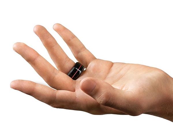 Được biết nhẫn HB kết nối với điện thoại đang kết nối Wi-Fi (điều kiện bắt buộc) của bạn thông qua Bluetooth.