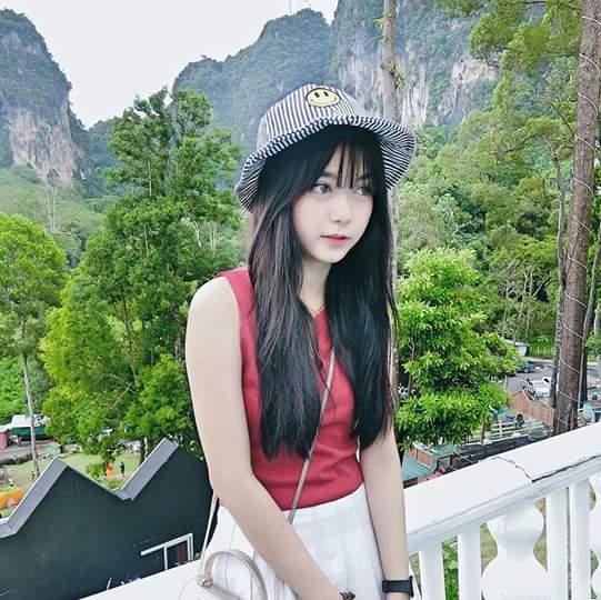 Chết ngất trước vẻ đẹp trong sáng hút hồn của hot girl niềng răng Thái