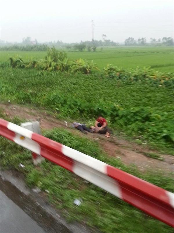 Hai hành khách bị va chạm mạnh nên đã tử vong.