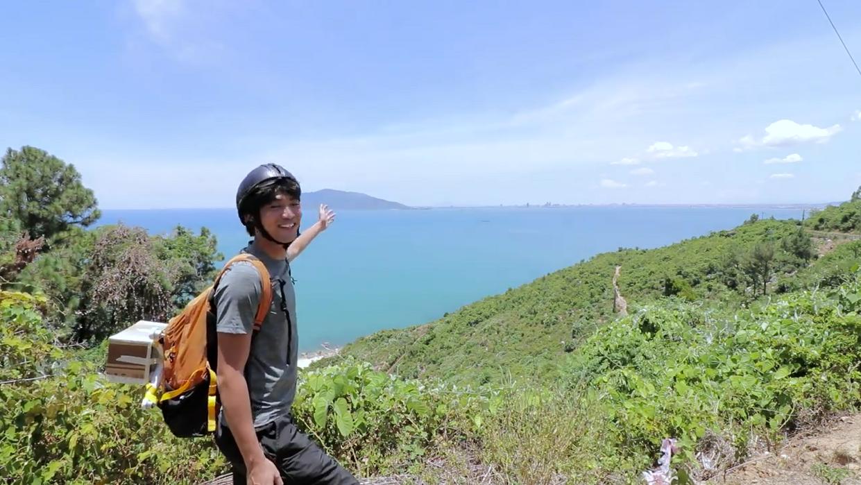 Anh chàng phượt thủ này đang khiến giới trẻ Thái phát cuồng Việt Nam