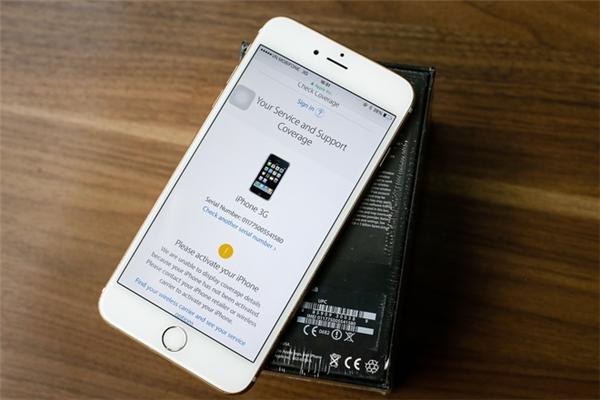 Dùng điện thoại khác để kiểm tra số Serial trên vỏ hộp thìchính xác là iPhone 3G. (Ảnh: internet)